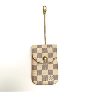 LOUIS VUITTON Pouch in Damier Azur